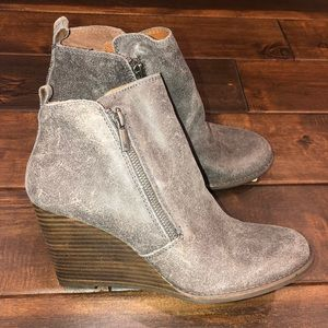 Women's size 9.5 leather lucky brand wedge booties